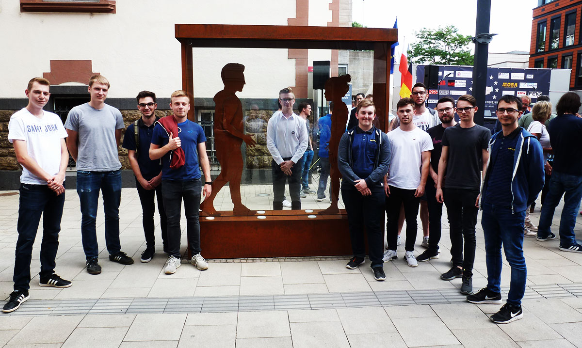MOBA Apprentices in front of Monument of Friendship